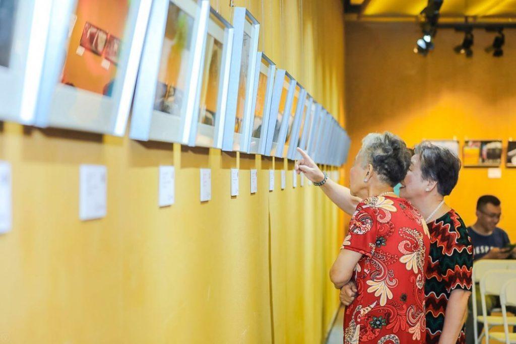 3. Tianshan residents enjoying our exhibition
